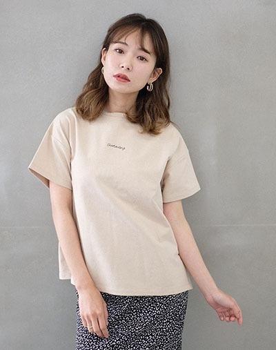 パターンロゴ刺繍Tシャツ